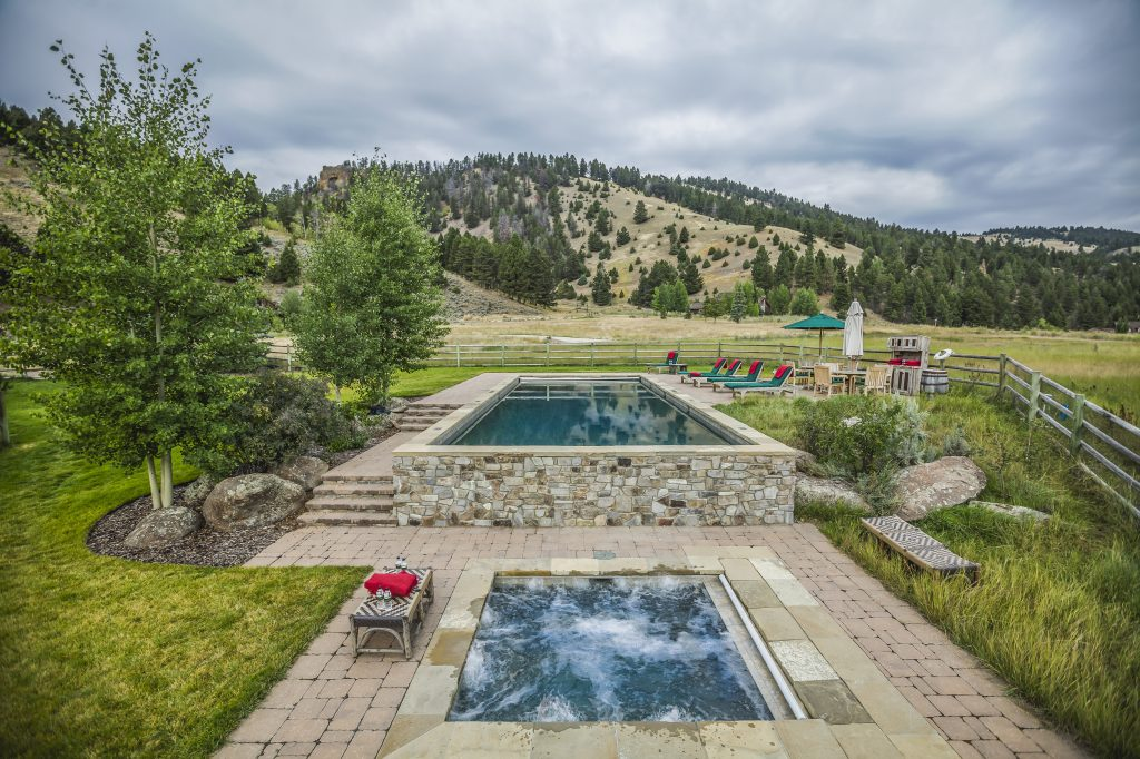 TRRC Outdoor Pool and Hot Tub