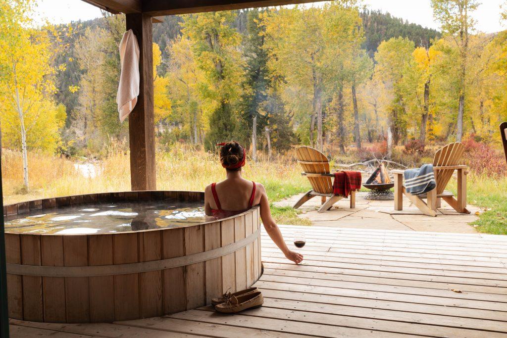 TRRC Sweet Grass Exterior Cedar Soaking Tub